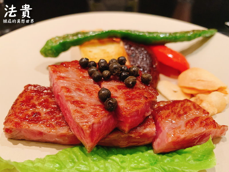 【日本神戶牛排】日本必吃神戶牛排-鉄板DINING法貴!CP值高神戶牛午餐!(三宮神戶牛推薦、神戶牛排推薦、神戶餐廳推薦)