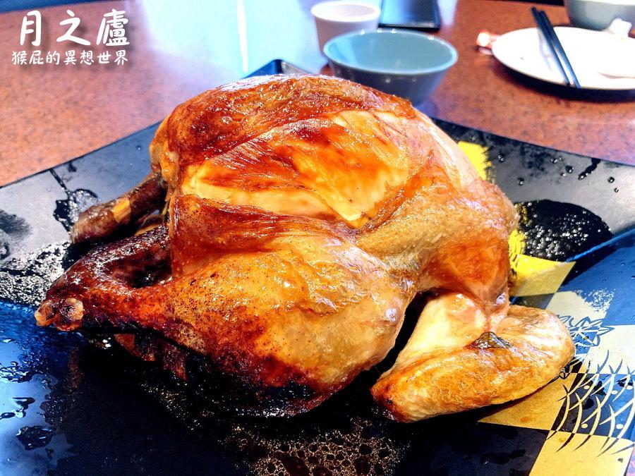 【花蓮美食】沒預約吃不到的炭烤梅子桶仔雞-月之廬食堂!誤打誤撞吃到花蓮熱門餐廳!