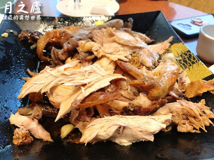 【花蓮美食】沒預約吃不到的炭烤梅子桶仔雞-月之廬食堂!誤打誤撞吃到花蓮熱門餐廳! @猴屁的異想世界