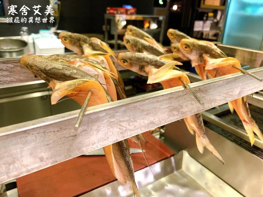 台北寒舍艾美酒店探索廚房Buffet吃到飽!期間限定龍蝦吃到飽,還有加拿大雪蟹、沙公、牛排、舒芙蕾等通通吃到飽! @猴屁的異想世界