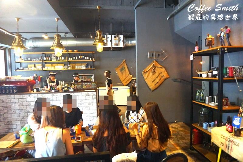 【台中美食】Coffee Smith爆炸多蛤蠣義大利麵!工業風咖啡廳環境優、適合聚餐!台中咖啡廳推薦、台中好吃義大利麵、台中早午餐推薦、台中西區早午餐!(內有Coffee Smith菜單) @猴屁的異想世界