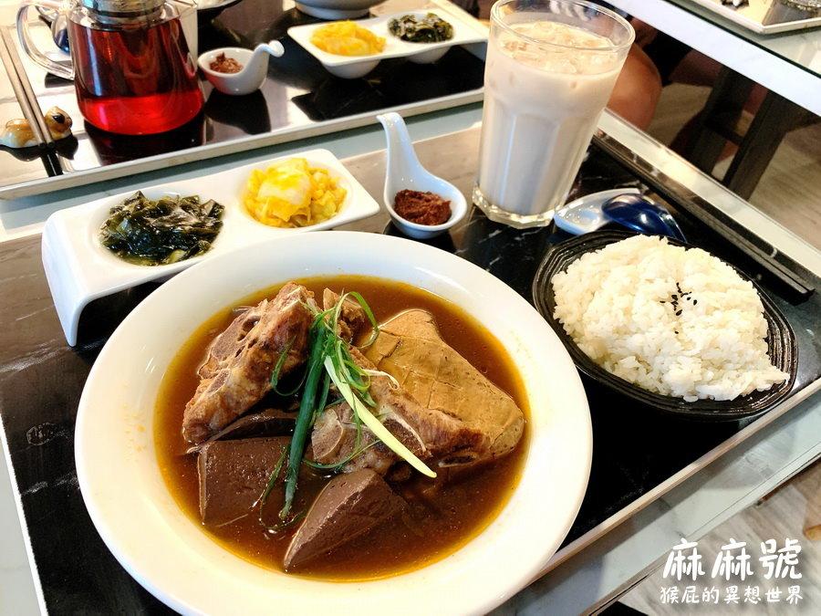 【新北新莊】輔大周邊CP值高隱藏版美食,新莊網美餐廳麻麻號。排骨鴨血豆腐專賣!