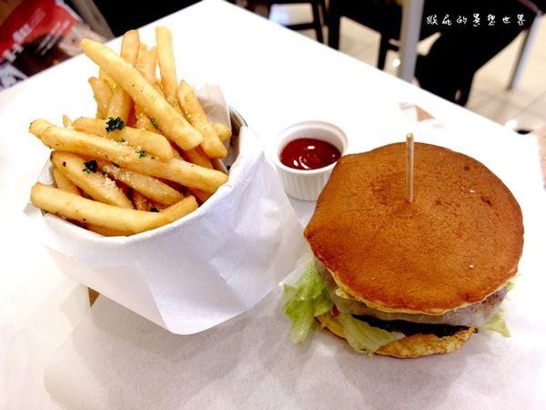 【台中東海】樂丘廚房!東海大學周邊美食超特別鬆餅漢堡!(發送網)